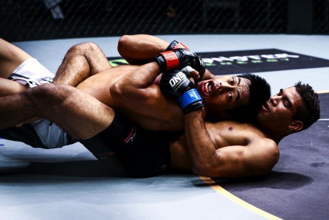 Herbert Burns quer usar o Jiu-Jitsu para assombrar mais um adversário. Foto: One FC
