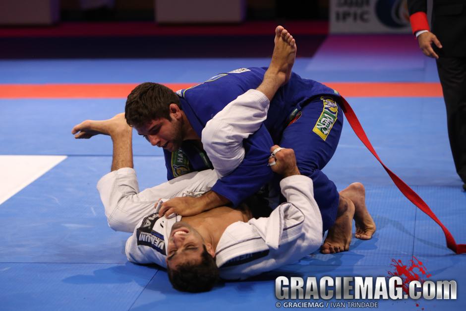 Buchecha vs. Lo at the 2015 WPJJC black belt open class semifinal