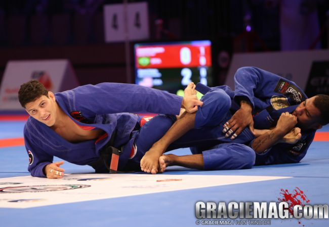 Video: watch how Erberth Santos choked Rodrigo Cavaca for Brasileiros gold