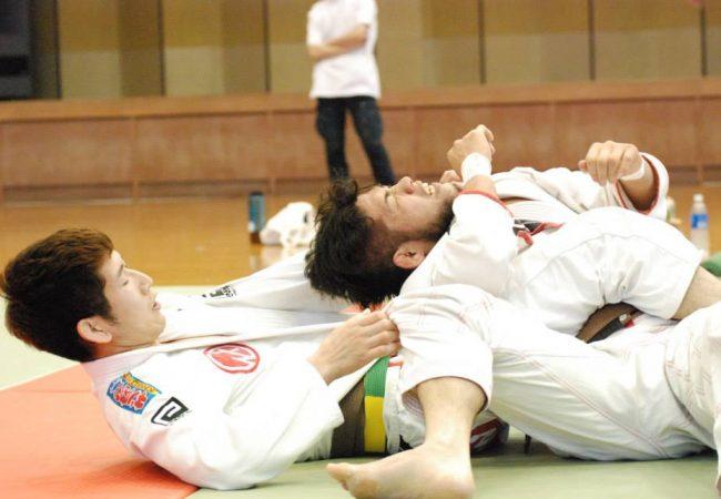 O golpe sonífero de Koji Shibamoto no Nagoya Open de Jiu-Jitsu
