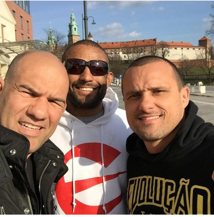 Fabio Gurgel, Serginho e André Dida na Polônia. Foto: Arquivo Pessoal