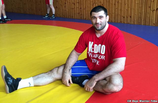 Estreante no MMA, Bilyal Makhov chega com moral ao UFC por conta das medalhas no wrestling. Foto: K Dojo MMA Warrior Tribe/Divulgação