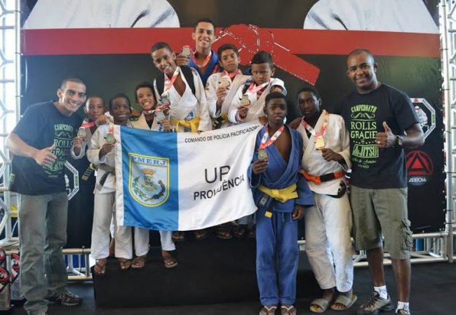 Governador do Rio exalta projeto de Jiu-Jitsu em comunidades pacificadas