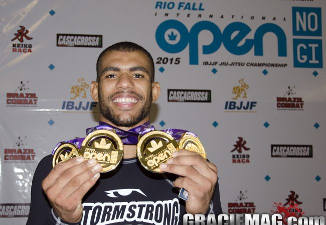 Video: watch how Erberth Santos won the no-gi open class division at the Rio Fall Open