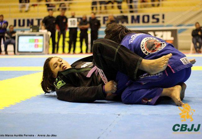 Jiu-Jitsu: A raspagem elástica e a chave de pé de Tayane Porfírio no Curitiba Open