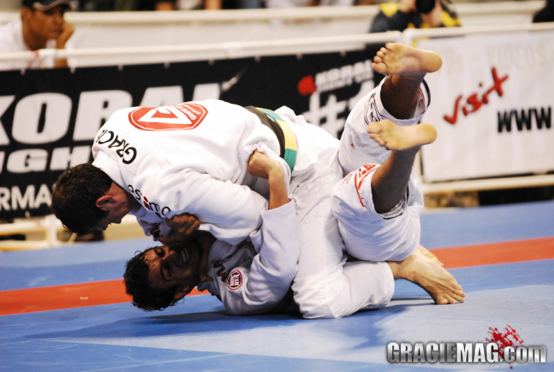 Roger Gracie vs Barral in 2009