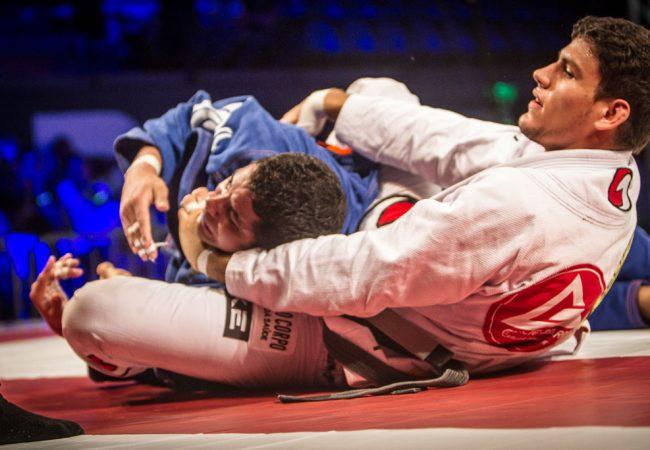 Preguiça, capa da GRACIEMAG deste mês, aponta o pior erro nos treinos de Jiu-Jitsu