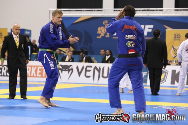 Alex Trans withdraws from the 2015 ADCC due to knee injury