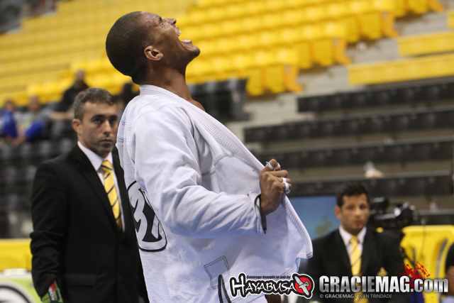 2015 Worlds: Aly, Santana win brown belt open class; Alliance extends lead after day 3