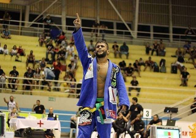 Watch how newcomer Luan Carvalho beat Michael Langhi on his way to the gold medal in Brazil