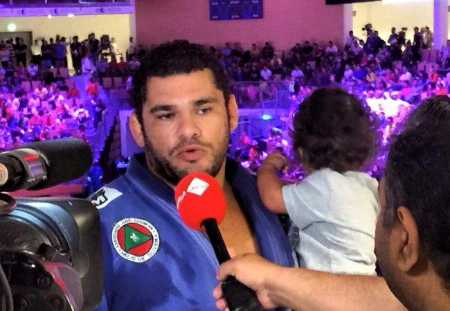 A queda do campeão absoluto master de Jiu-Jitsu em Abu Dhabi