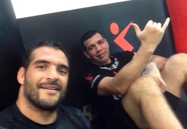 """Léo Leite treina MMA com Pedro Rizzo: """"Estou tranquilo de lutar em pé"""""""
