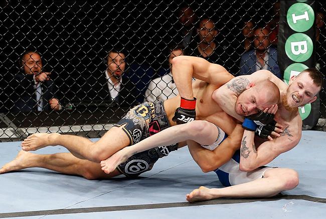 Jiu-Jitsu no UFC: os ganchos são poderosos, mas não fundamentais