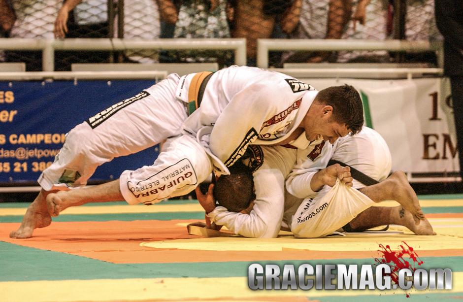 Pé de Pano vs. Xande Ribeiro at the 2002 Worlds