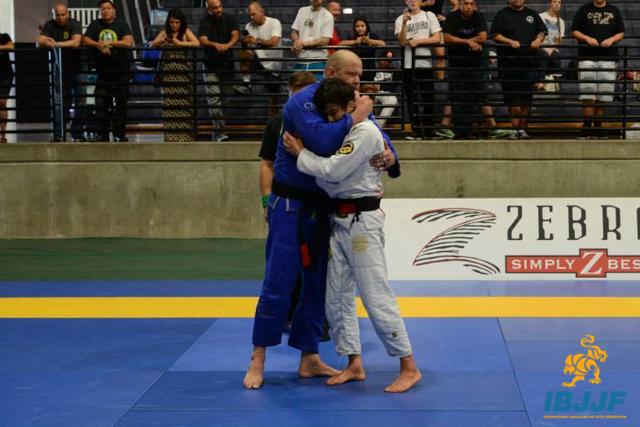 Light-feather vs. Ultraheavy: watch how João Miyao won the black belt open class in Las Vegas
