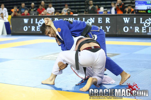 Work the clock: JT Torres teaches a sneaky and efficient way to finish the opponent