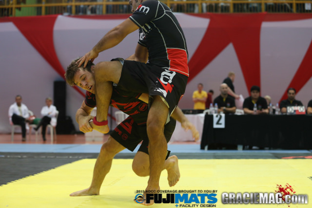 Otavio Sousa x AJ nas preliminares. Foto: Ivan Trindade/GRACIEMAG