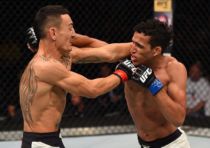 Charles contra Max. Foto: UFC