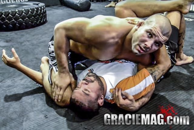 Rodolfo Vieira teaches how to get from side control to the triangle