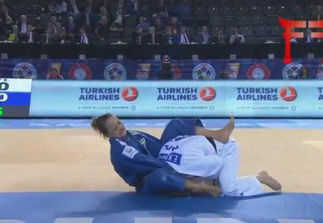 Judô e Jiu-Jitsu: apure o poder da mão na gola e vença