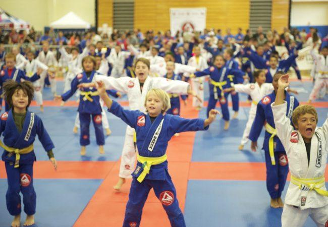 Pais e professores explicam por que o Jiu-Jitsu é perfeito para as crianças