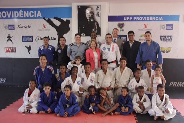 Jiu-Jitsu ganha reconhecimento no Rio como ferramenta para afastar crianças de atividades ilícitas