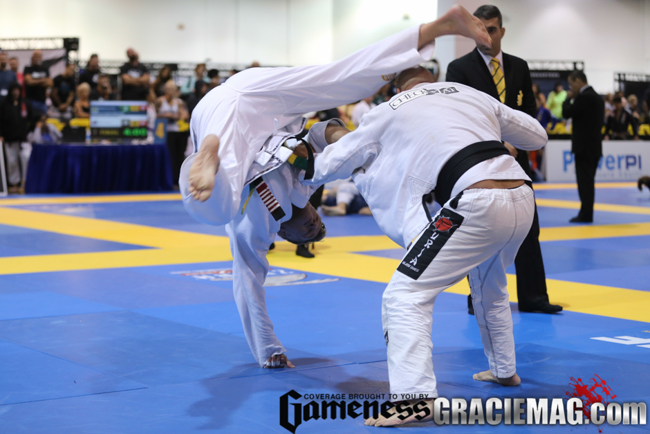 5. Despite their preference for the classics, athletes at the Worlds Master also like to try some fancy moves.