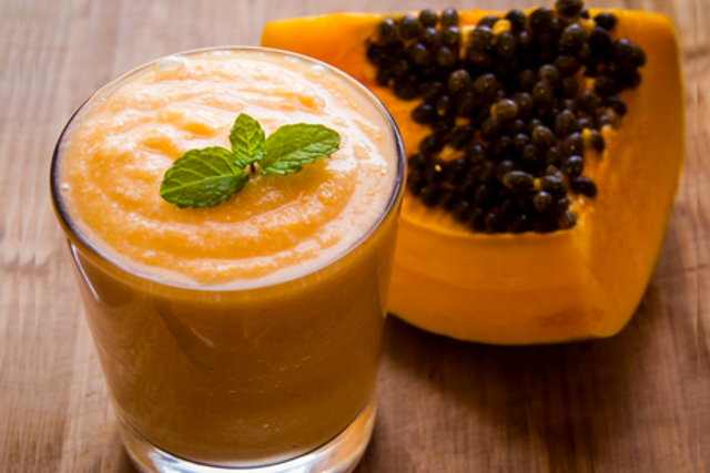 Try this papaya juice recipe for better digestion and more fat-burning power