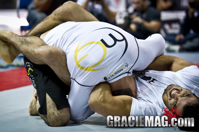 3 breathing exercises to better oxygenate your body taught by Kron Gracie