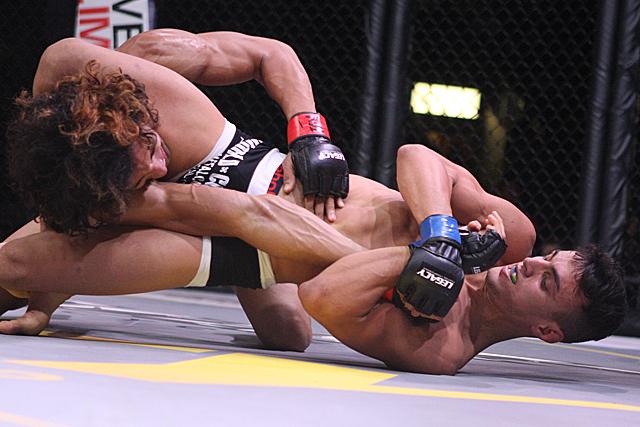 Jiu-Jitsu no MMA: O armlock do triângulo de Ricardo Carcacinha no Legacy