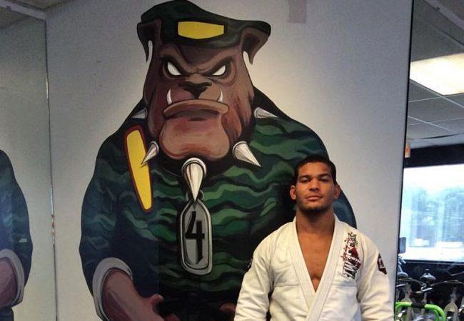 Mahamed Aly ganha a faixa-preta de Jiu-Jitsu e marca estreia na elite