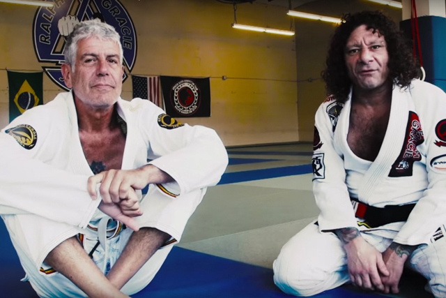 Tech Tuesday: Kurt Osiander teaches a lapel choke from half-guard