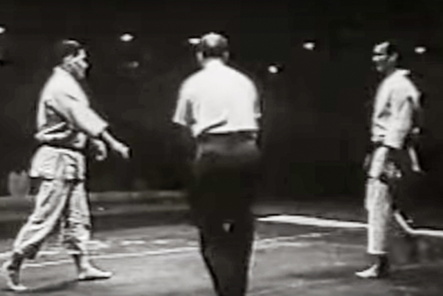 Watch: Helio Gracie fought Masahiko Kimura in Rio de Janeiro 64 years ago on Oct. 23
