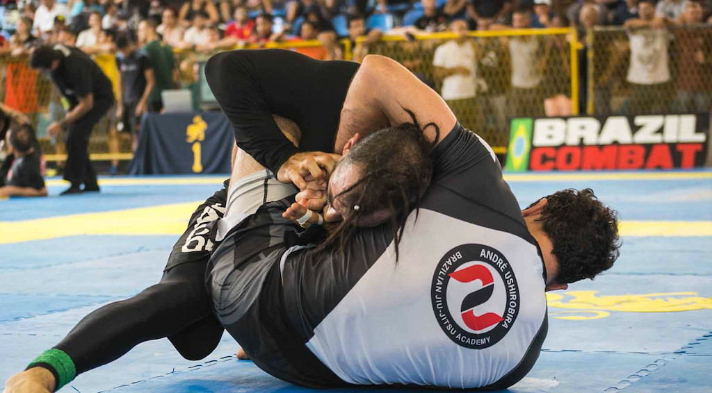 André Ushirobira venceu Marcelo Dourado na final master do Brasileiro Sem Kimono 2015. Foto: Divulgação