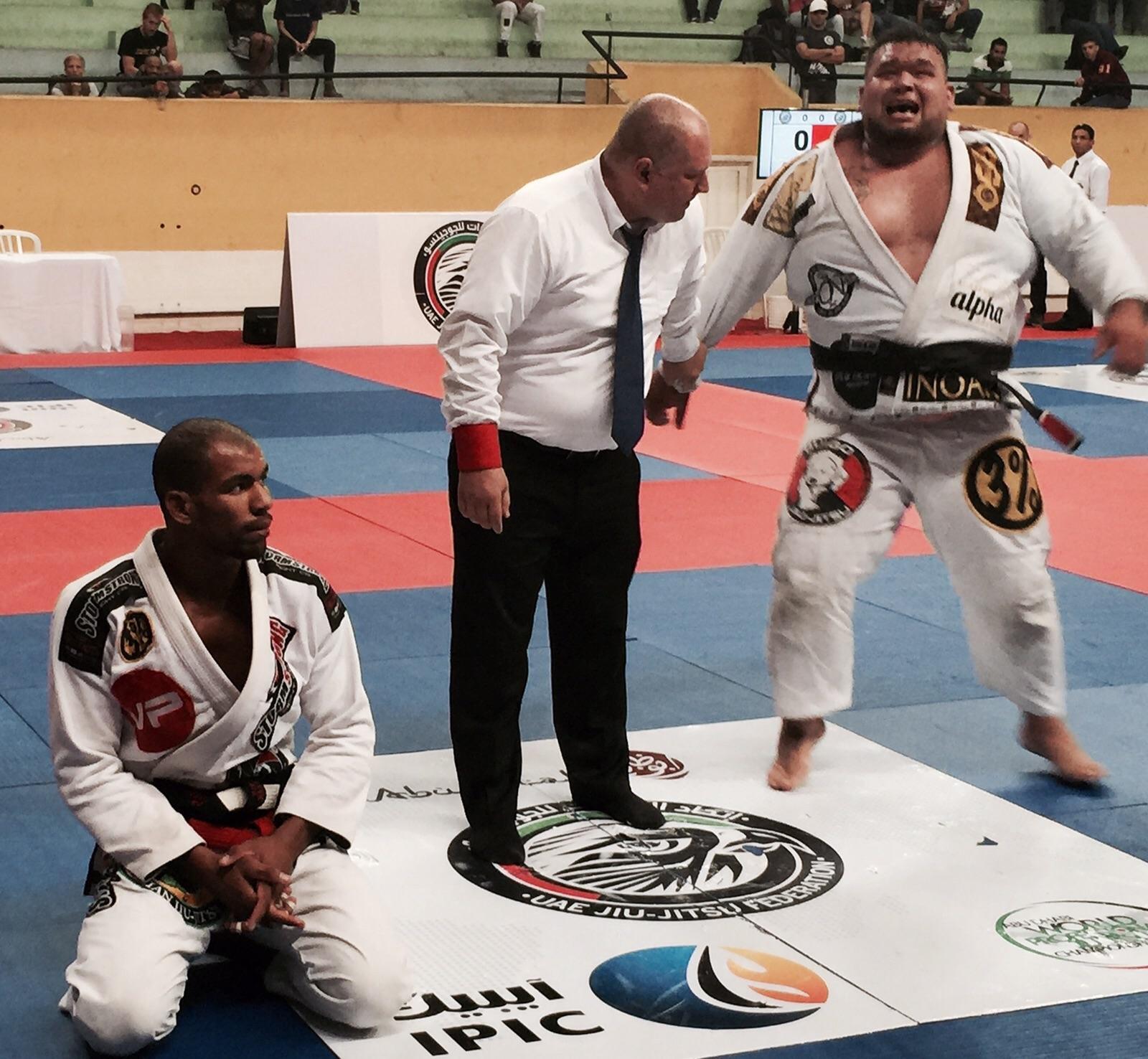 Otávio Nalati venceu a fera Erberth Santos, no absoluto do Brazil Pro de SP. Foto: Divulgação