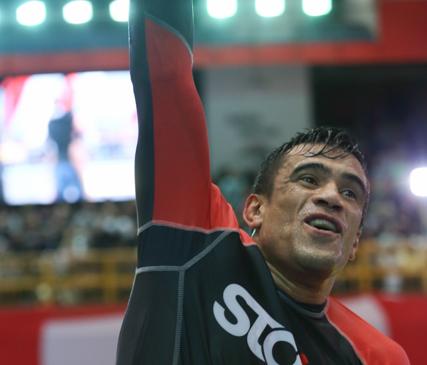 Rubens Cobrinha celebra bicampeonato no ADCC 2015 Foto Ivan Trindade