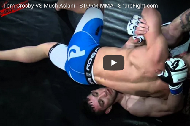 Crazy move! Watch how this MMA fighter escaped a guillotine choke
