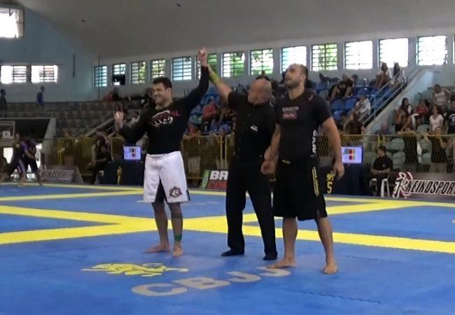 Vídeo: A finalização de Cassio Francis na final do Brasileiro Sem Kimono