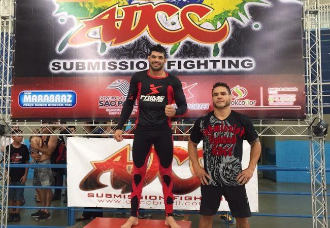 Troféu Brasil do ADCC: Viscardi Andrade finaliza Macaco em SP