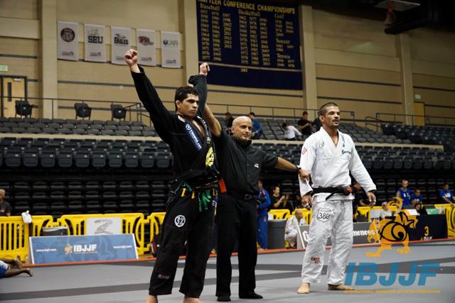 Manuel Oliveira vs. Pedro Mello. Photo: IBJJF
