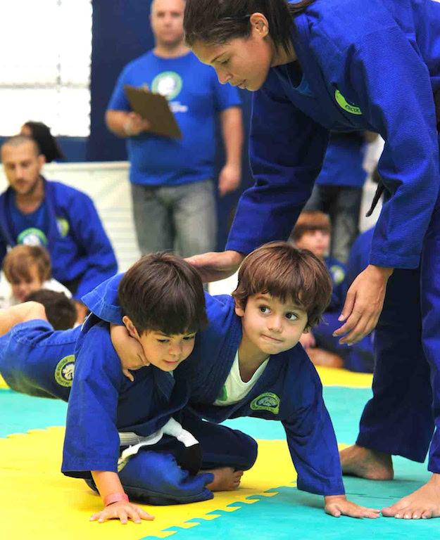 Alunos da escola Leão Teixeira no torneio interno de fim de ano.