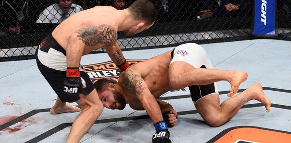Vídeo: Veja o nocautaço de Frankie Edgar em Chad Mendes no UFC
