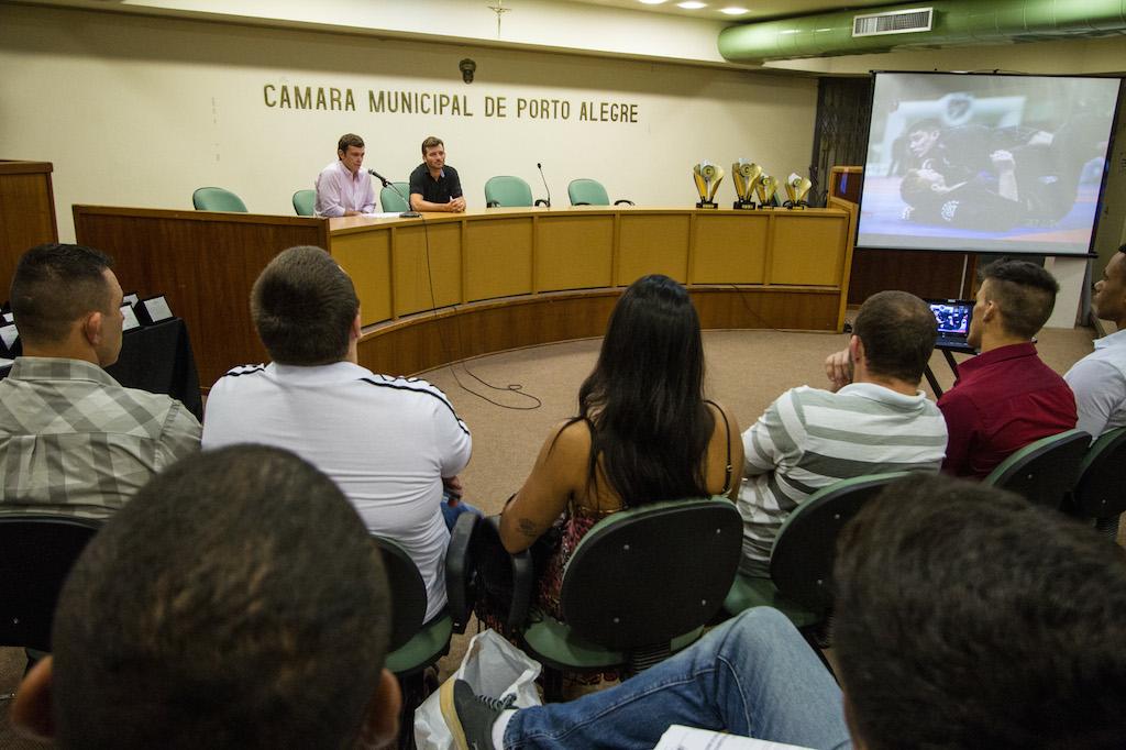 Solenidade na Câmara de Porto Alegre.