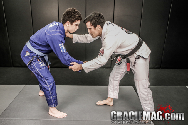 HOW-TO: Cobrinha teaches the Collar Drag to Single Leg Takedown