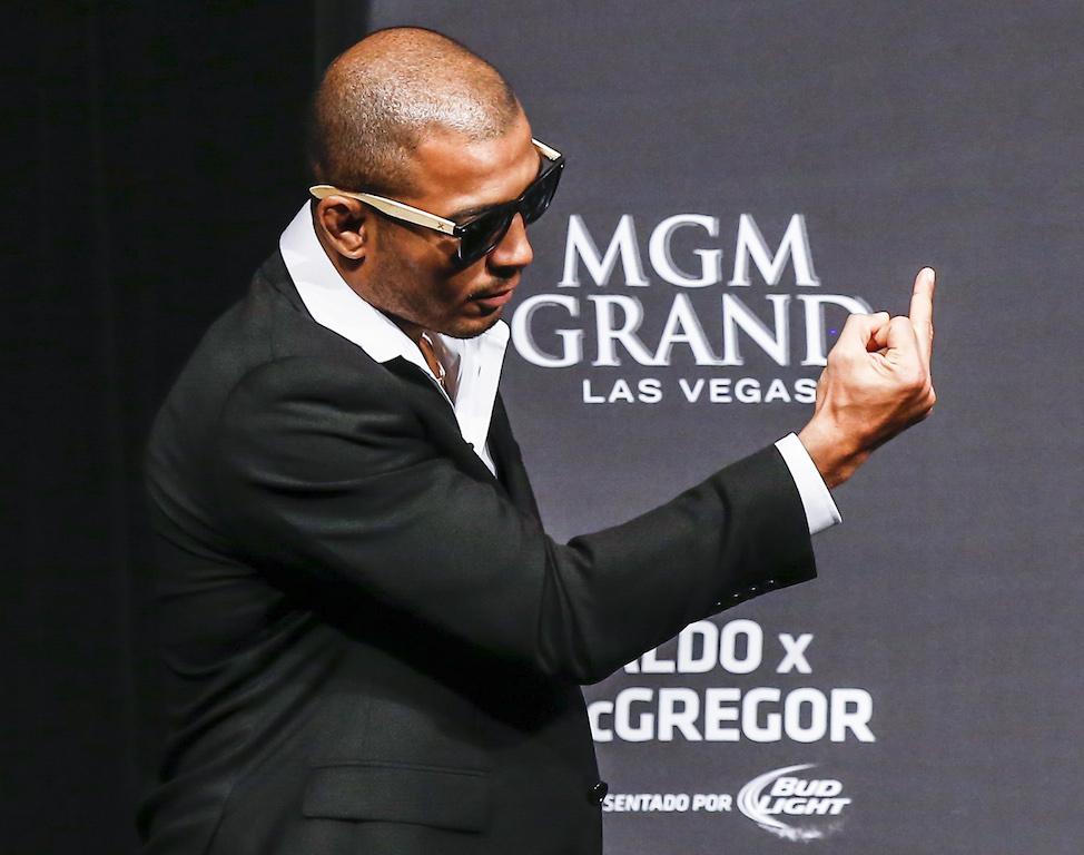 Jose Aldo no tour de divulgacao da luta com Conor McGregor Foto UFC Divulgacao.jpeg
