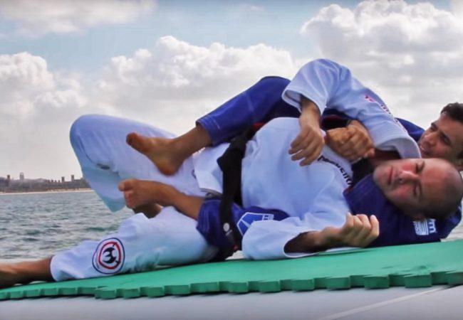 Vídeo: Os drills de Rubens Cobrinha em pleno mar de Dubai