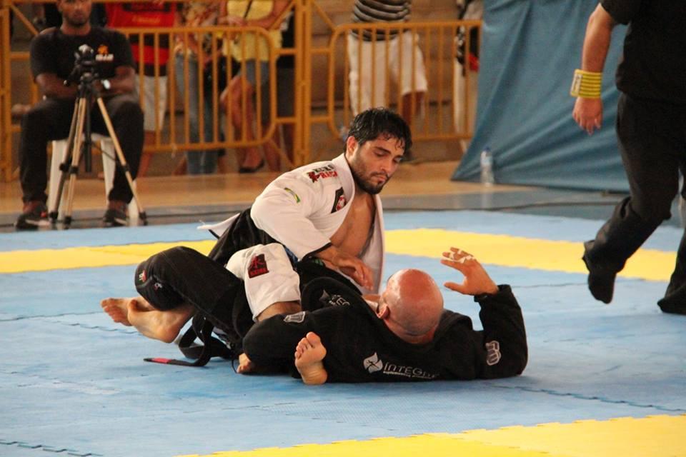 Dimitrius Souza garantiu o topo do pódio em todas as categorias que lutou. Foto: Italo Lopes