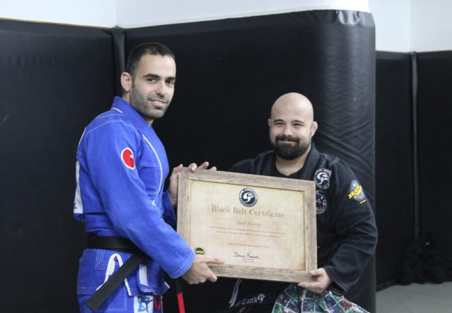 Bruno Mendes graduates first black belt in Israel during seminar tour