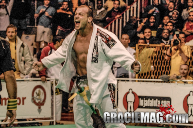 Celebrate Xande's birthday and watch how he won the black belt open class world title in 2006