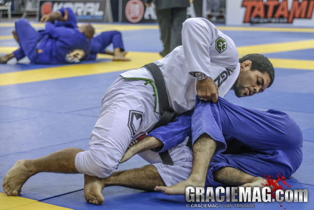 Andre Galvão teaches a way to kill the half guard and take the back